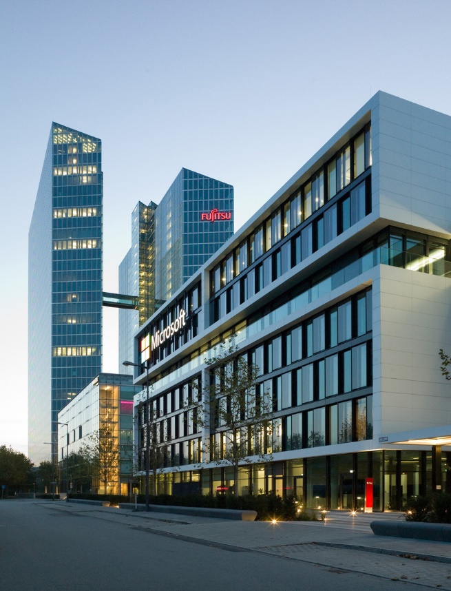 The Microsoft Germany headquarters in Parkstadt Schwabing in the north of Munich. The building is enveloped in Corian<sup>®</sup> design surface and features an unusual depth when illuminated by the sun. Design: GSP Architekten Munich, Facade: HAGA Metallbau GmbH. Fabrication of Corian<sup>®</sup>: Hasenkopf GmbH. Photos: Andreas Frisch, GSP Architekten, all rights reserved.