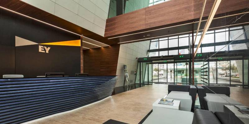 New offices in Athens: Ernst & Young with modern design and