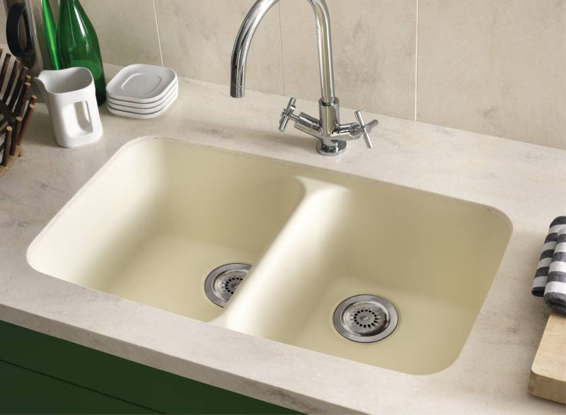 Corian Smooth Sink  In Vanilla Paired With Backsplash And Countertop In Corian Clam Shell