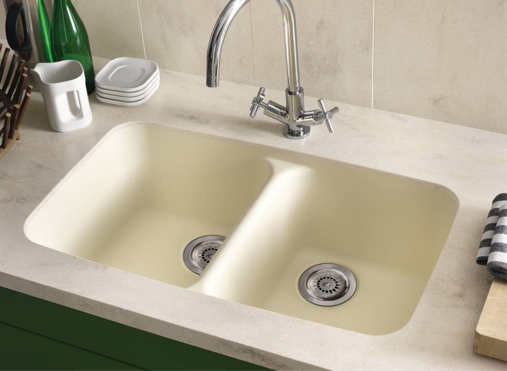 Corian® Smooth Sink 850 In Vanilla Paired With Backsplash And Countertop In  Corian® Clam Shell